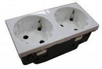 Розетка электрическая с заземляющим контактом двойная под углом 45гр
